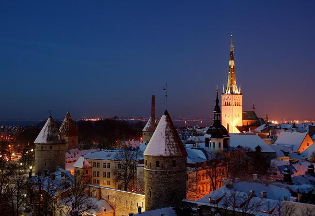 Viulunsoittaja katolla Estonia-teatterissa